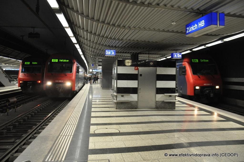 Podzemní nástupiště příměstské železnice Museumstrasse pod hlavním nádražím v Curychu, Švýcarsko. Ilustrační foto.