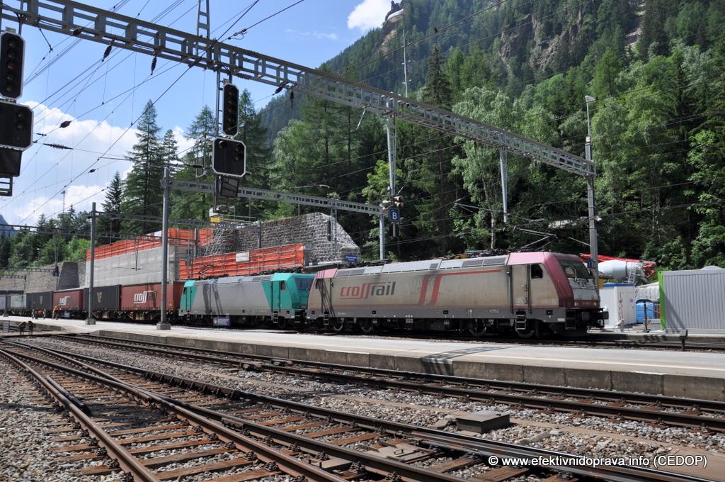 Nákladní vlak ve stanici Kandersteg, Švýcarsko. Ilustrační foto